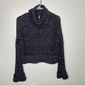 Free people cropped turtleneck sweater Small